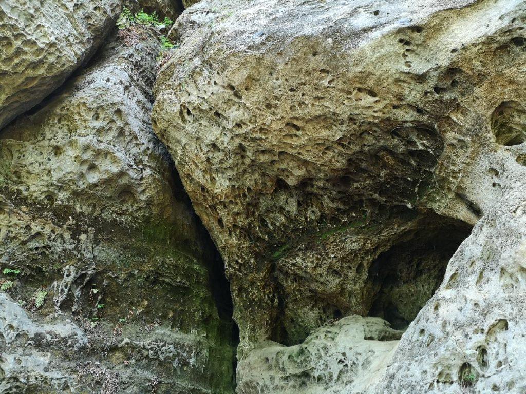 An der Kletterhöhle Diebskeller