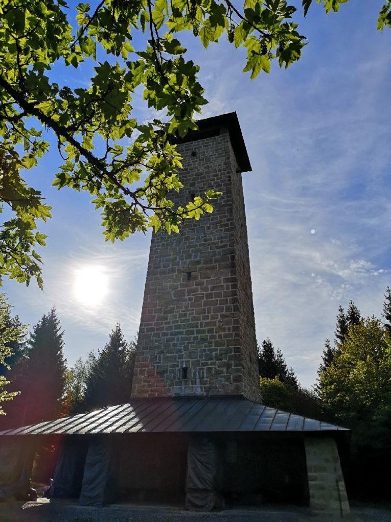 Die Schönburgwarte auf dem Kornberg