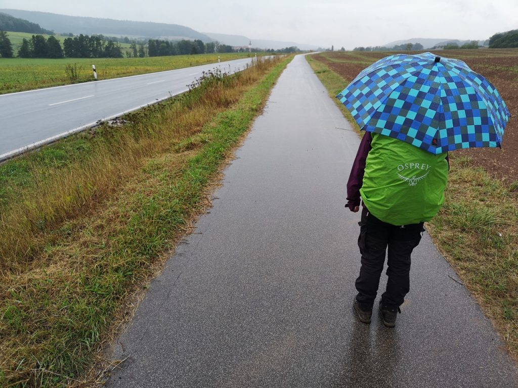 Heftiger Regen auf dem Radweg nach Wustviel
