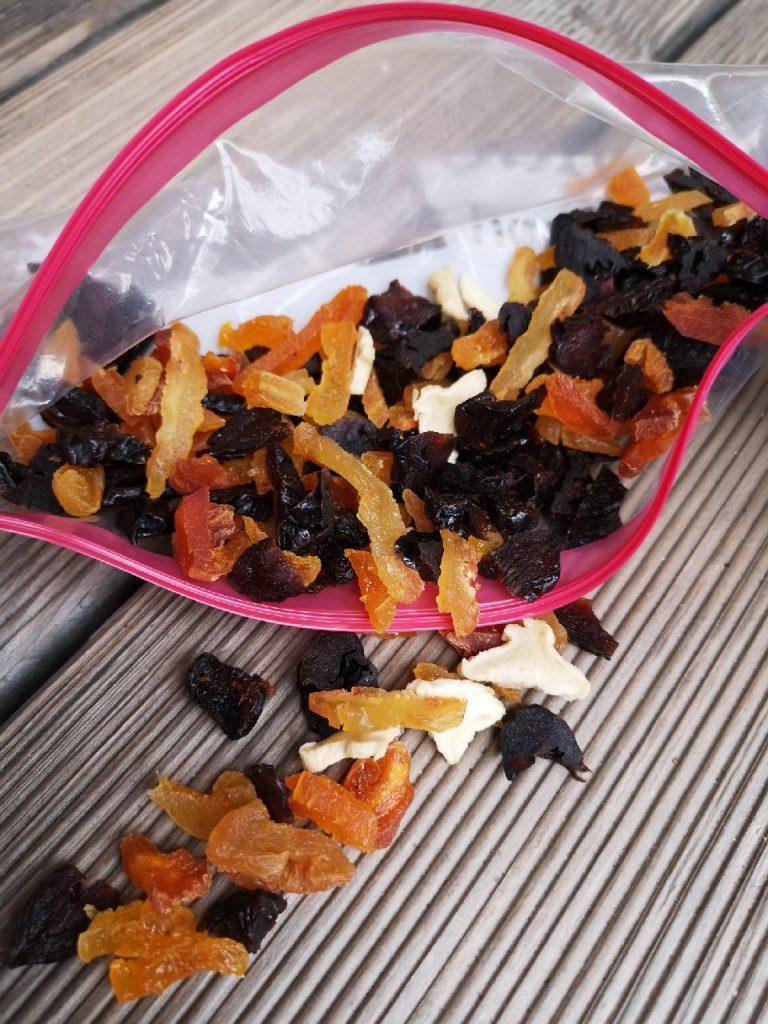 Klein geschnittene Trockenfrüchte