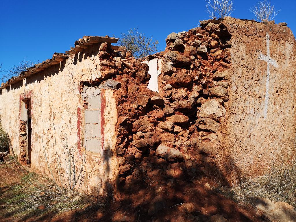 Ruine eines alten Hauses