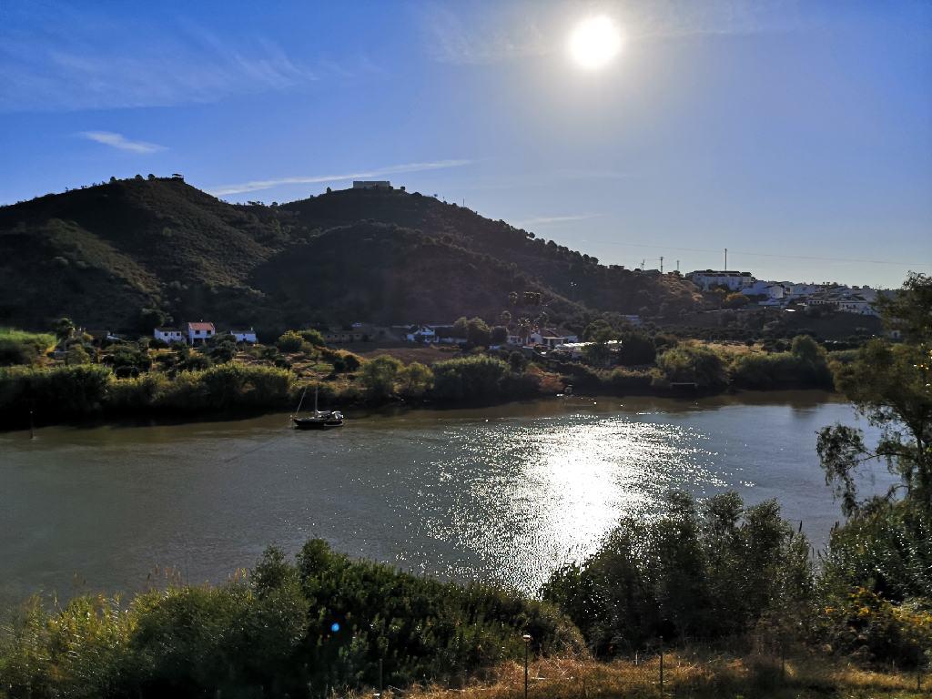 Blick von der Pousada nach Spanien
