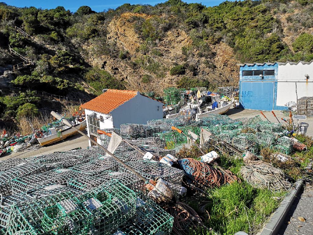 Entrada da Barca ist ein kleiner Fischerhafen