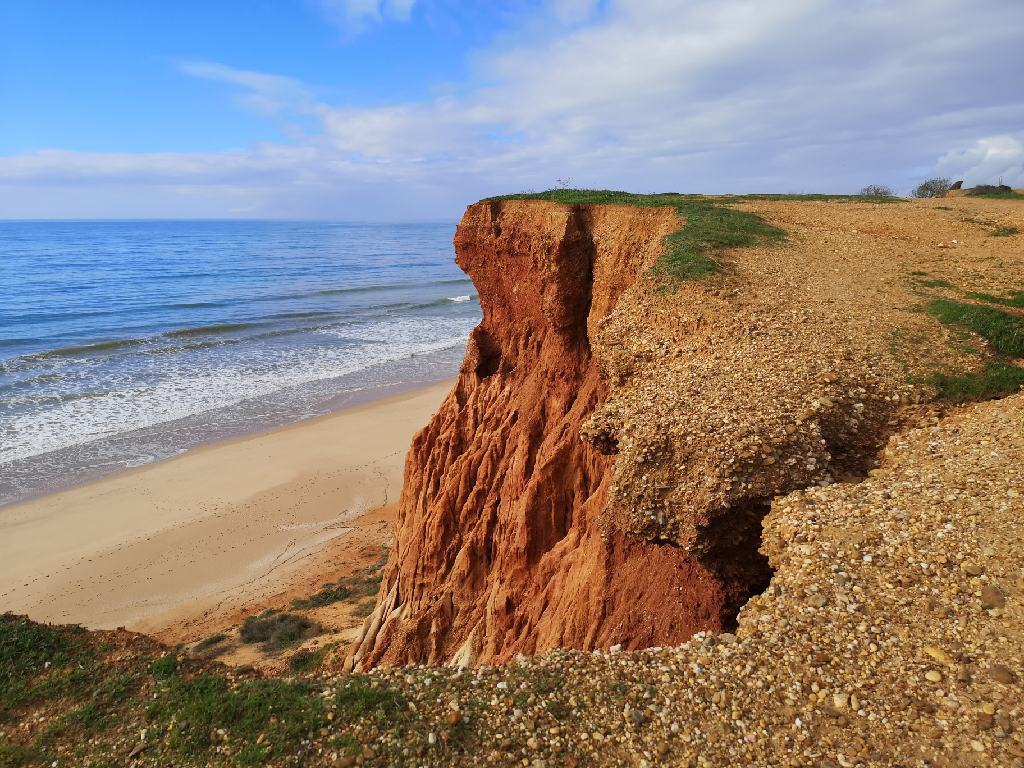 Roter Sandstein am Praia da Falésia