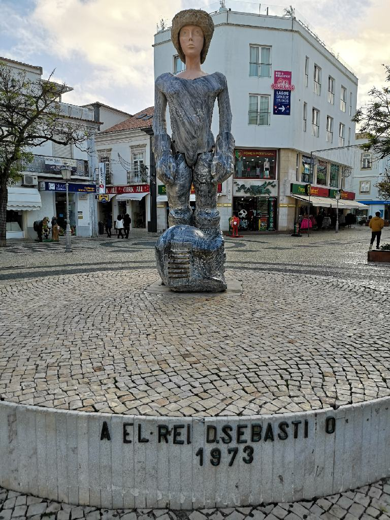 Lagos Statue Rei D. Sebastiano