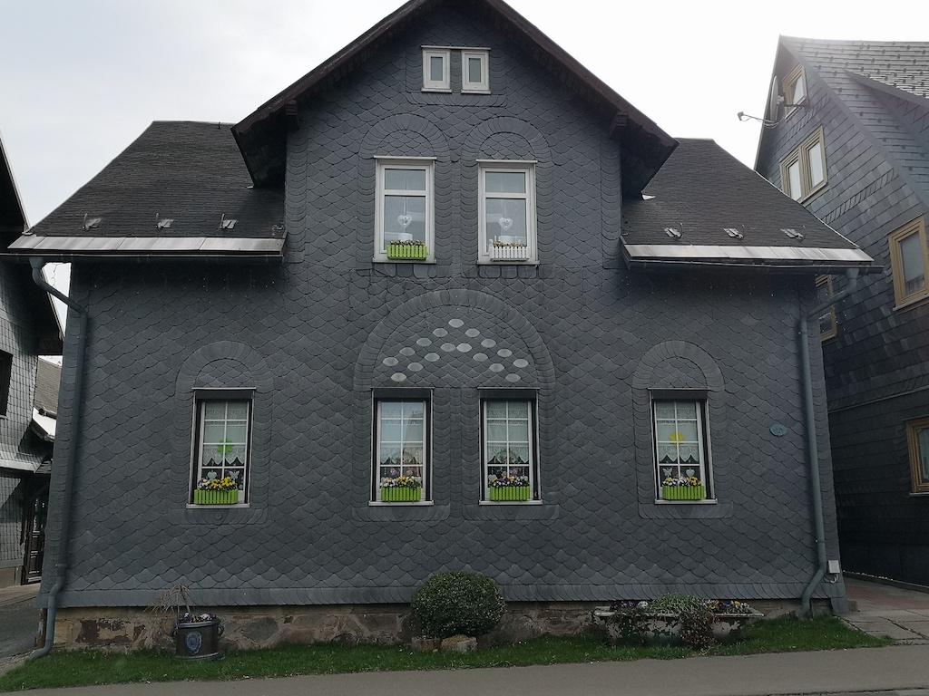 Schieferhäuser in Neuhaus am Rennweg